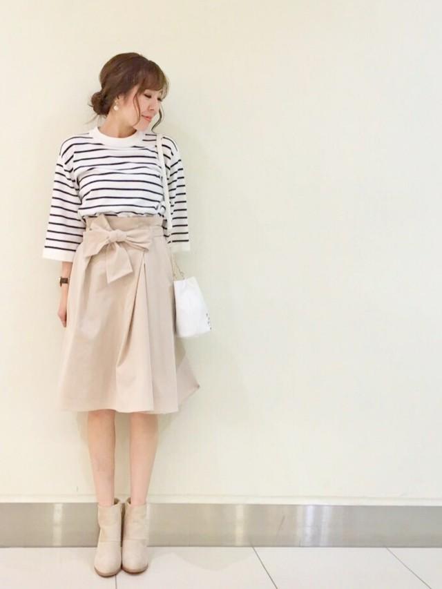 上品カジュアル♡トレンチスカートの春コーデ①同色シューズを合わせる