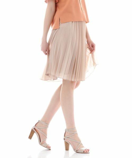 履くだけでカワイイ♡春にはきたい「プリーツスカート」その2