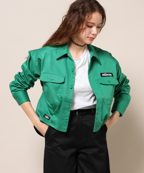 カラージャケットのオシャレな取り入れ方:グリーン