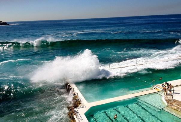 экстремальные волны в бассейне