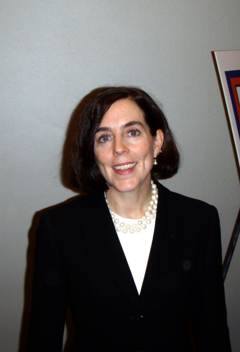 Possible Huge News - Kate Brown Rushes Back To Oregon - Kitzhaber Out?
