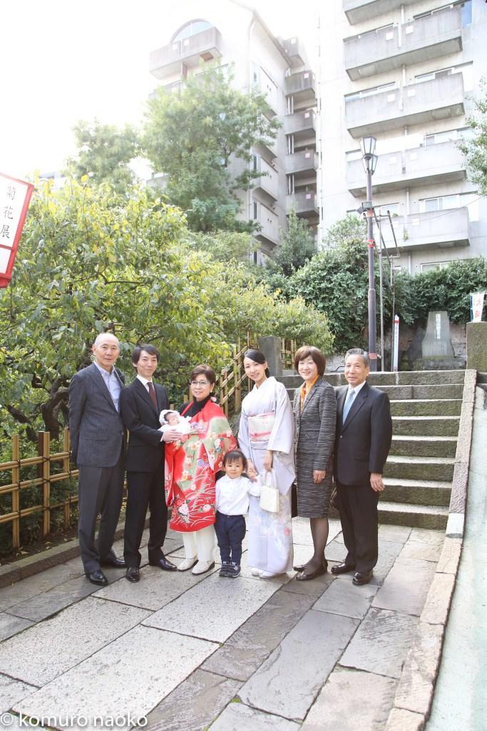 湯島天満宮お宮参り家族写真