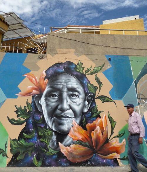 """streetartglobal:  """"Time and Years"""" by @zelva_1 in Peru. [http://globalstreetart.com/joe-nadie] #GlobalStreetArt #Zelva1 https://www.instagram.com/p/BJD8IayD3TS/"""