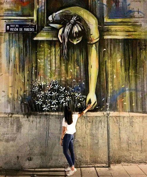 picchu:  Alice Pasquini. Madrid.