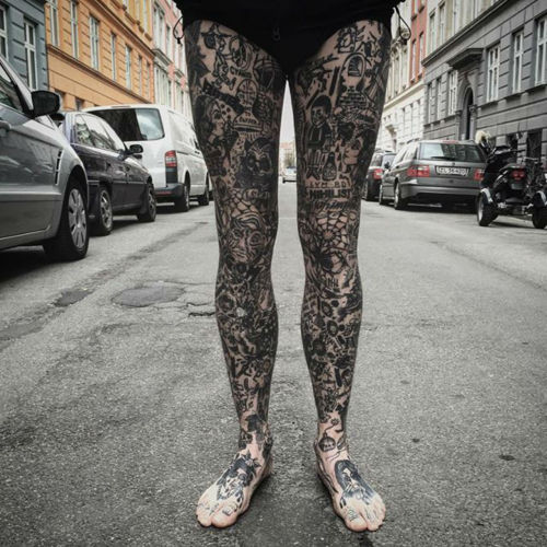 thievinggenius:  Tattoos done by Tato Toby.