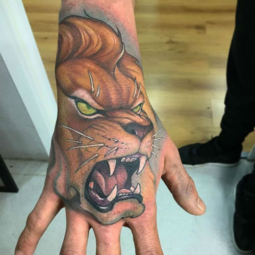 thievinggenius:  Tattoo done by Victor Chil.
