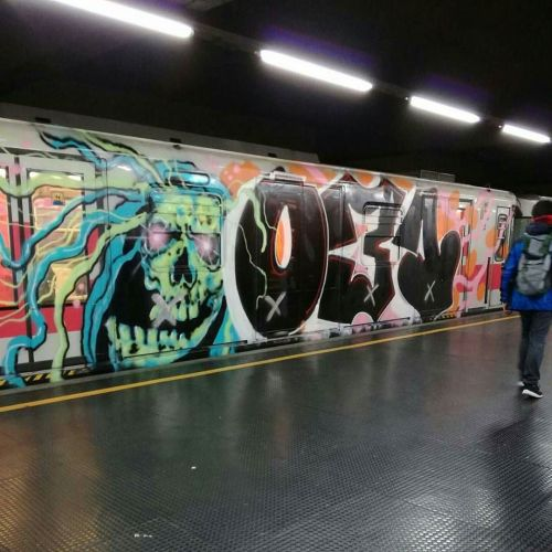 madstylers:  031 CREW@graffiti_milano_______________________#madstylers #graffiti #graff #style #💣 #sprayart #character #madness #acid http://ift.tt/2esB8kQ