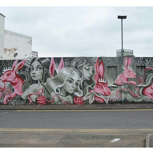 streetartglobal:  Pink Rabbits by @juliayubaba at the City of Colours festival in #Birmingham #UK(globalstreetart.com/yu-baba)#globalstreetart https://www.instagram.com/p/BHzE3-9DGvX/