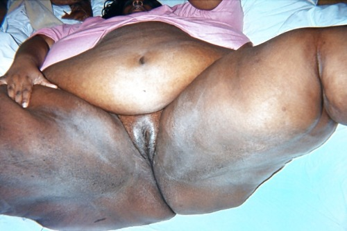 Super wide african phat candid booty reg amp slo mo - 3 2