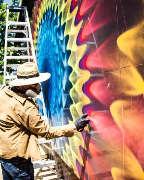 powwowblog:  Mural in progress by @hoxxoh for @powwowdc. // Photo by @reallyfarrah.⠀⠀⠀ ⠀// Supported by @rvca @montanacans @montanacans_usa @flexfit @hawaiianairlines @1xrun @monsterenergy @thinkspace_art // #powwowworldwide #powwowdc
