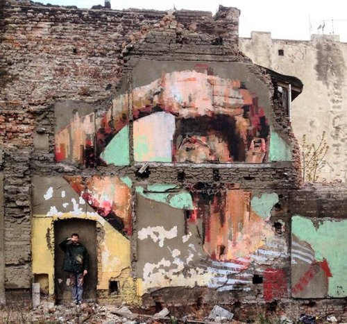 barbarapicci:  Street art: new piece by Mesa in Lodz, PolandClick for ore info