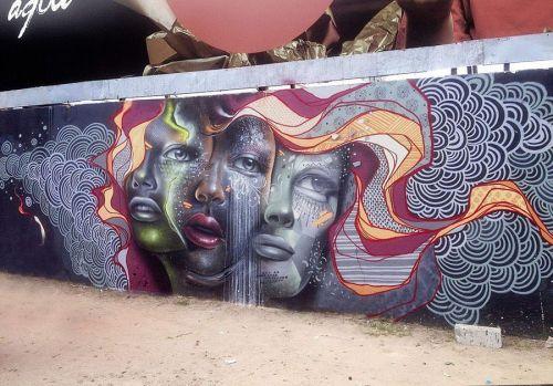 streetartglobal:  Detailed mural by @aqiluciano in #Brazil#globalstreetart #mural #faces #detailhttp://globalstreetart.com/aqiluciano https://www.instagram.com/p/BLZaZDegIhI/