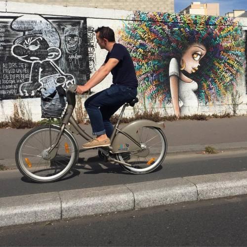 streetheart-serendipity:  🔹Kind of jealous?🔹Work by @viniegraffiti & @combo_ck #streetart #art #paris #parisstreetart #streetartparis #graffiti #urbanart #wallpainting #streetartist #graf #rsa_graffiti #dsb_graff #artist #gullysteez #tv_streetart #arteurbano #arteurbana #imjustpassing #streetartfrance #stoul #colors #colourful #gm_cycleby #peoplebikingpastwalls #vinie #viniegraffiti #combo (à Paris 19ème)