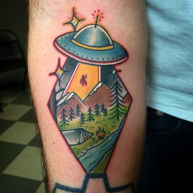 @broadstreettattoo Thanks for looking! #tattoo #ufo #ufotattoo #iwanttobelieve #camping