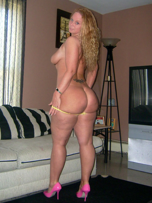 mature cellulite pawg standing on counter