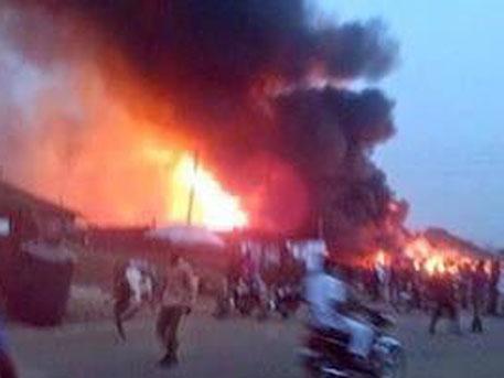 В Нигерии на газоперерабатывающем заводе прогремел мощный взрыв, около 100 погибших - СМИ