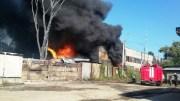 В Калуге произошло крупное возгорание на одном из складов строительных материалов