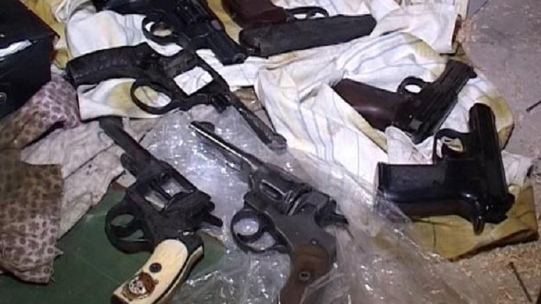 В Киеве в одном из гаражей обнаружен крупный арсенал оружия