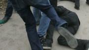 В Москве группа преступников избила бизнесмена, вымогая у него деньги