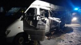 В Днепропетровской области в результате ДТП с участием фуры и микроавтобуста погибло 5 человек.