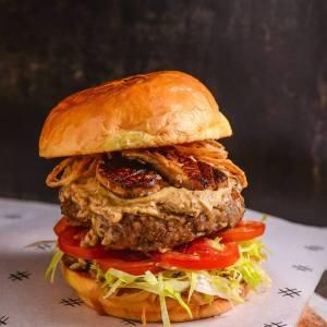 8List-Burger-Bucket-List-2-foie-gras-burger
