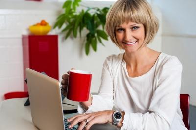 Woman Working on Computer_freedigitalphotos.net-stockimages