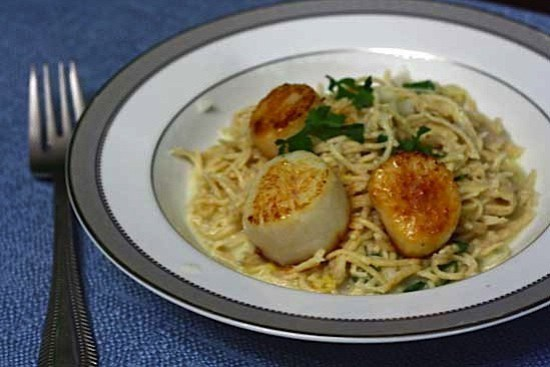 lemon-pasta-with-scallops.jpg