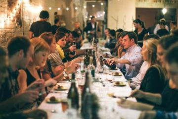 trade-show-business-dinner