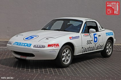 13-6230_Mazda MX5 Miata_Chicago Auto Show white race car 01