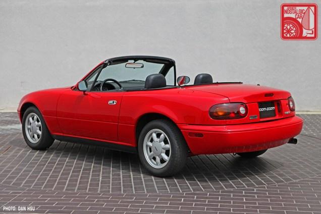 22-6359_Mazda MX5 Miata_Chicago Auto Show red 02
