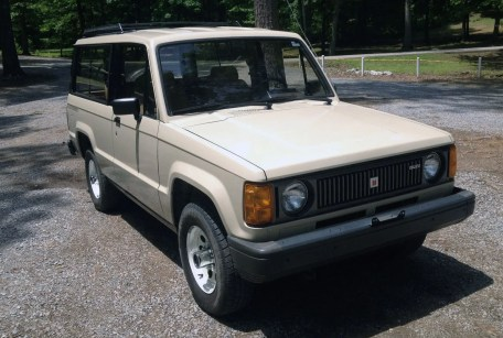 1986 Isuzu Trooper 01