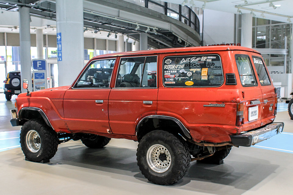 Land Cruiser Motor Show in Tokyo celebrates Japanese re-release of 70-Series - Toyota Land Cruiser FJ60 83