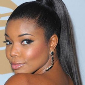 celebrity-sleek-ponytail-hairstyle