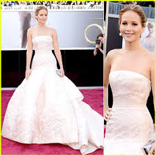 Jennifer Lawrence looking fabulous in Dior Haute Couture at the 2013 Academy Awards.