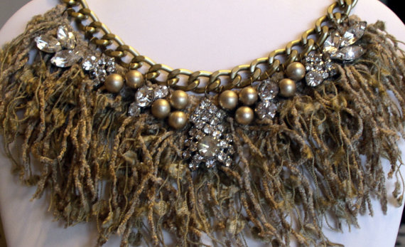 Fringe_necklace