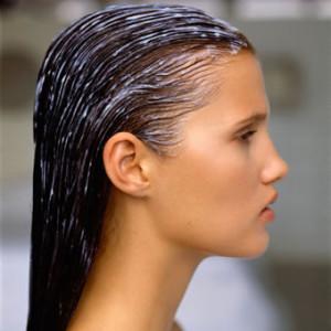 http://www.google.com/url?sa=i&rct=j&q=&esrc=s&frm=1&source=images&cd=&cad=rja&docid=rfQoayuWwx9sFM&tbnid=rzOn5enJ2go6FM:&ved=0CAUQjRw&url=http%3A%2F%2Fwww.co-washing.com%2Fhow-to-co-wash-hair%2F&ei=OYjLUbj5O6H30gGN_4EY&psig=AFQjCNGHDjyddSf7DnLad4GBJq4HqQZcnA&ust=1372379392139879