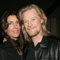 I Can't Go For That: AMANDA ASPINALL Splits From HALL & OATES' DARYL HALL - Pop Singer Hit With Divorce Papers By British Socialite & Gambling Mogul Heiress