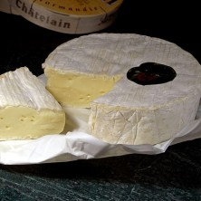 Camembert_cheese
