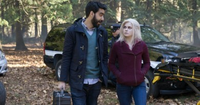 "iZombie -- ""Patriot Brains"" -- Image Number: ZMB108A _0146 -- Pictured (L-R): Rahul Kohli as Dr. Ravi Chakrabarti and Rose McIver as Olivia ""Liv"" Moore -- Photo: Cate Cameron/The CW -- © 2015 The CW Network, LLC. All rights reserved."