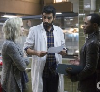 """iZombie -- """"Mr. Berserk"""" -- Image Number: ZMB110A_0003 -- Pictured (L-R): Rose McIver as Olivia """"Liv"""" Moore, Rahul Kohli as Dr. Ravi Chakrabarti and Malcolm Goodwin as Clive Babineaux -- Photo: Katie Yu /The CW -- © 2015 The CW Network, LLC. All rights reserved."""