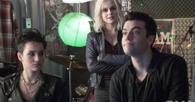 "iZombie -- ""Dead Rat, Live Rat, Brown Rat, White Rat"" -- Image Number: ZMB112A_0109 -- Pictured (L-R): Bex Taylor-Klaus as Teresa, Rose McIver as Olivia ""Liv"" Moore, and Rhys Ward as Cameron -- Photo: Liane Hentscher/The CW -- © 2015 The CW Network, LLC. All rights reserved."