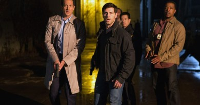 "GRIMM -- ""Wesen Nacht"" Episode 506 -- Pictured: (l-r) Sasha Roiz as Captain Renard, David Giuntoli as Nick Burkhardt, Russell Hornsby as Hank Griffin -- (Photo by: Scott Green/NBC)"