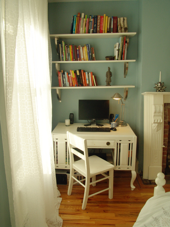 bedroom-decorating ideas desk