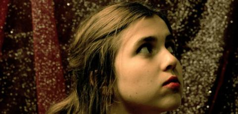 [Video Premiere] Dom la Nena's Scenic World Music Video on WNYC's Soundcheck