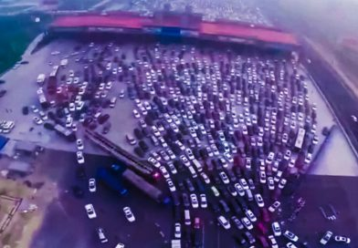 When There's a Traffic Jam in China [Video]