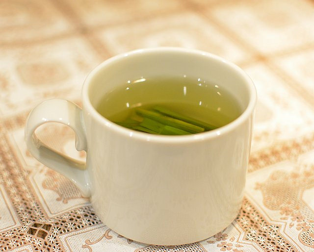 Lemon Grass Tea (Flickr Andrea Nguyen)