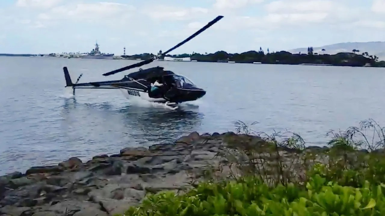 Helicopter crashes into Pearl Harbor, 1 critically hurt | Fox News