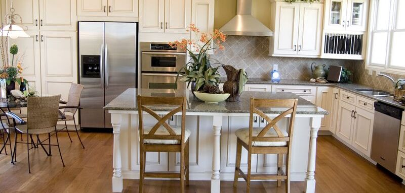kitchen-cabinets-traditional-antique-white-005a-s8103610-island-luxury
