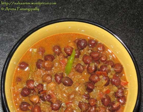 Kala Chana Masala or Senagala Koora (Whole Bengal Gram Curry)