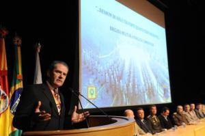 Anúncio do prefeito Alceu Barbosa Velho ocorreu durante a troca de comando do 12º BPM Foto: Jonas Ramos / Agencia RBS